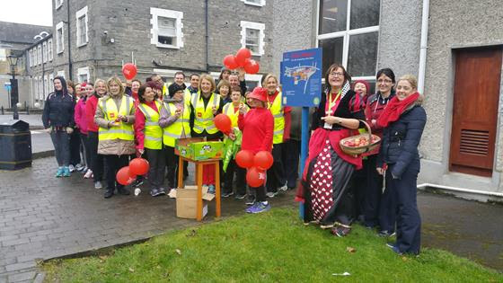 Staff of Our Lady's Hospital, Navan, took part in the Love Life Love Walking Event, a collaboration between the HSE, Healthy Ireland and Operation Transformation. The walk was on the newly revised Slí na Sláinte around the hospital site.