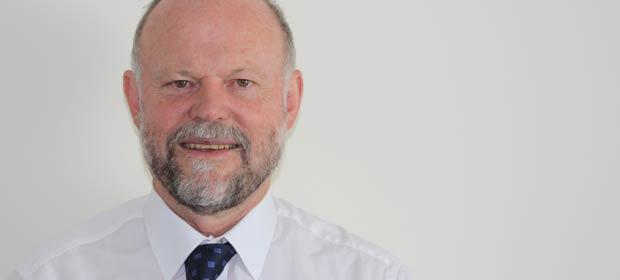 Dr. Geoff King