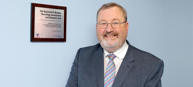 Dr Raymond Murphy