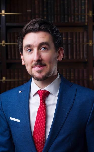 Dr Cathal Cadogan
